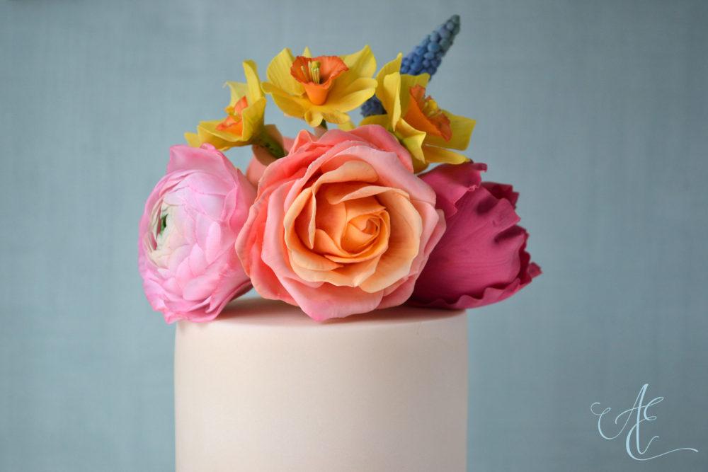 wedding cake close up sugar flowers