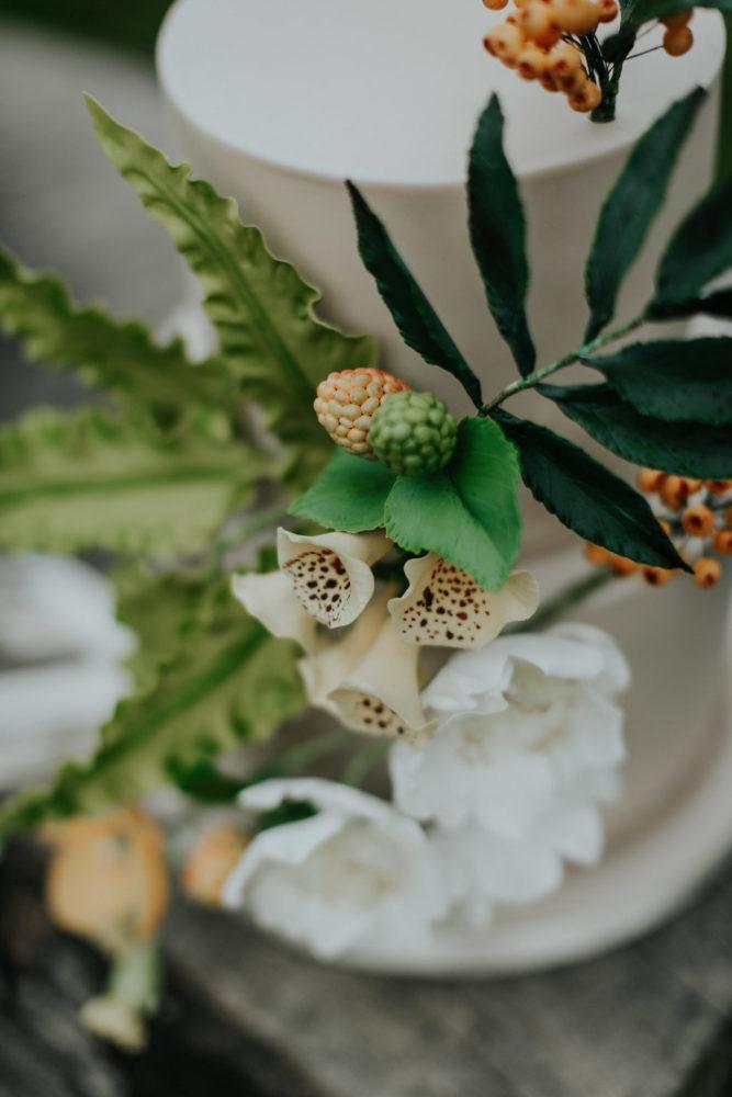 woodland wedding cake decorations close up