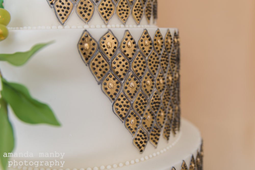 Moroccan wedding cake gold detail
