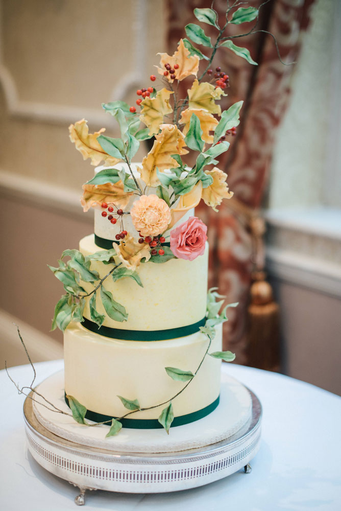 autumn wedding cake with sugar foliage