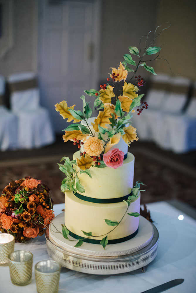 autumn wedding cake with sugar leaves