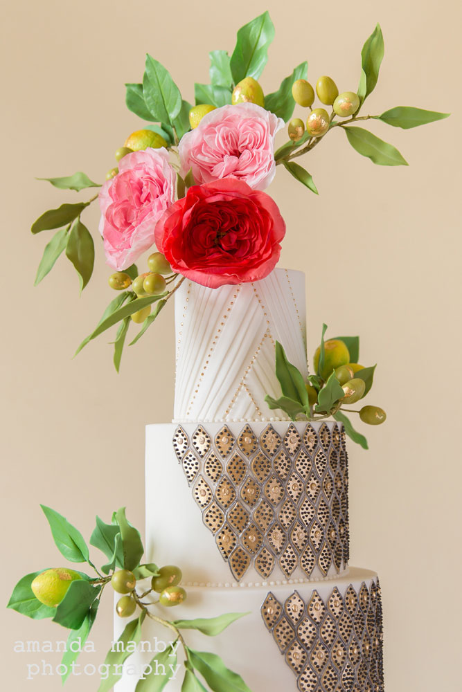 Moroccan lantern-inspired wedding cake close up