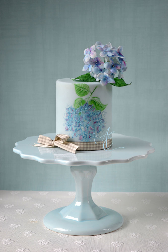 Wedding cake with hydrangea
