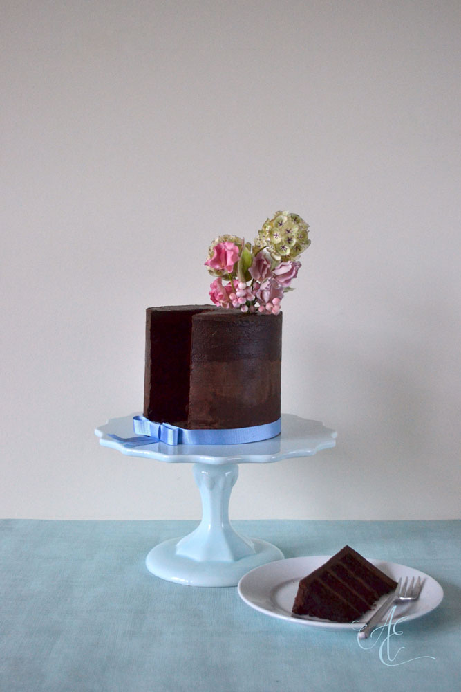 vegan wedding cakes vegan chocolate fudge cake