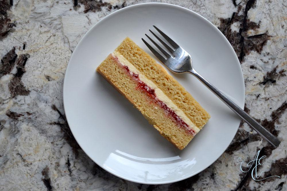 Madagascan vanilla cake slice