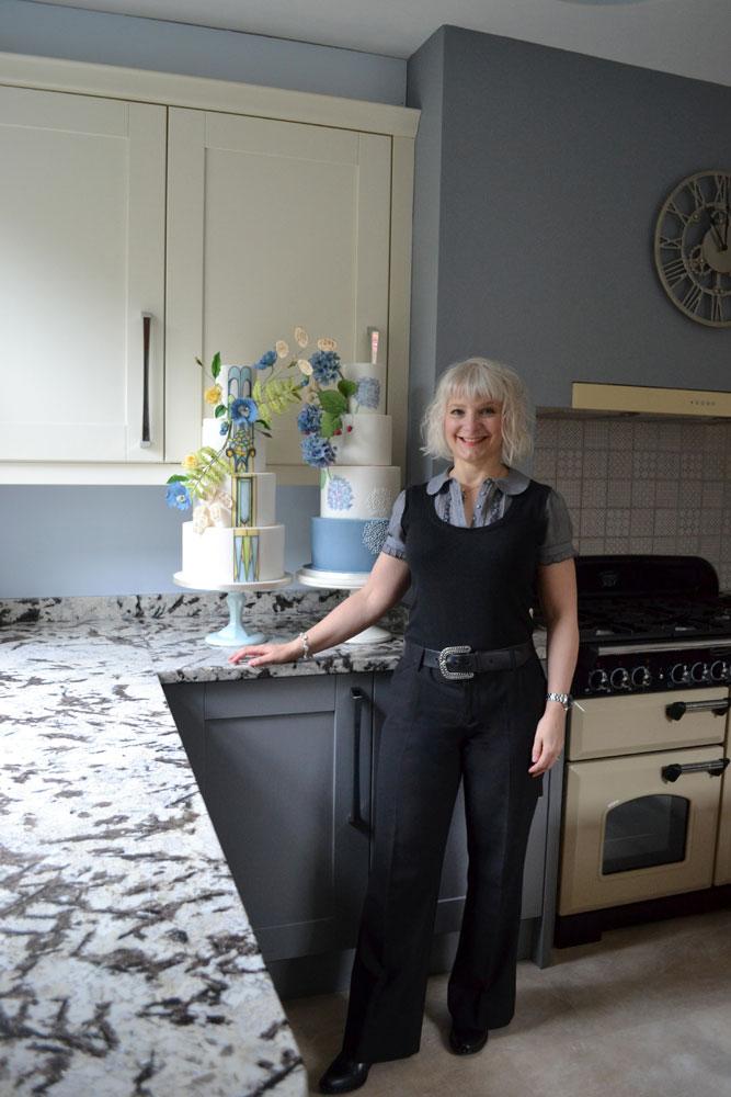 About Amanda Earl Cake Design